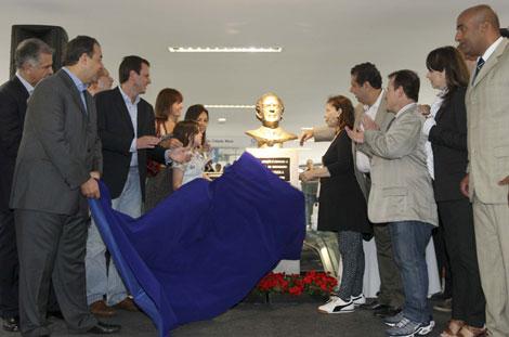 A inuaguração do busto de Brizola