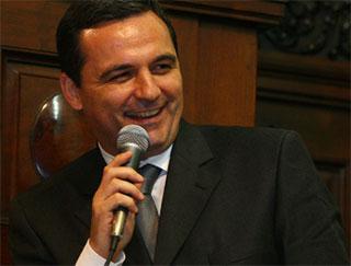 Com Cabral desde a ALERJ, Régis Fichtner é quem faz a ponte com a Justiça e o MP, além de muitos negócios
