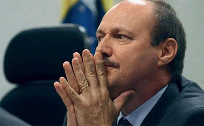 O ex-todo poderoso Luiz Fernando Corrêa dançou, mas ainda tem muito para explicar à Justiça