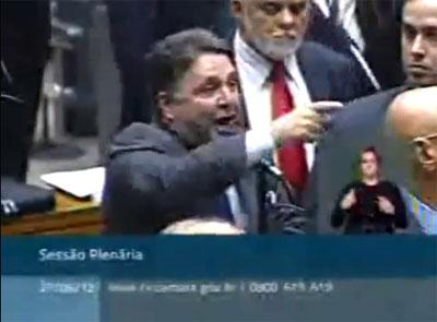 Garotinho garante interesses do Rio de Janeiro derrotando o PT