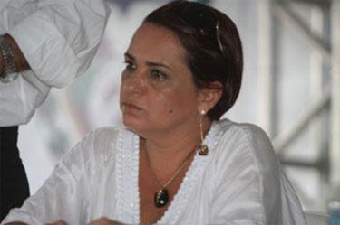 Prefeita de São João da Barra está sendo chamada de Carlinha Cachoeira