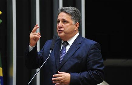 Garotinho hoje na Câmara defendendo os royalties do Rio de Janeiro