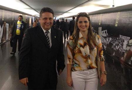 Garotinho e Clarissa na Câmara dos Deputados (Foto de André Couto)