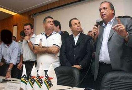 Presidente da ALERJ (com tarja preta), Paes, Picciani, Cabral e Pezão