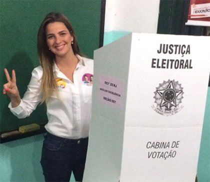 Clarissa na hora do voto