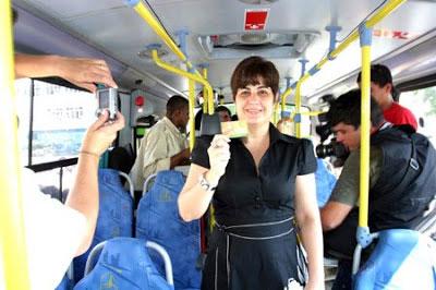 Prefeita Rosinha Garotinho quando foi lançada a passagem social em 2009