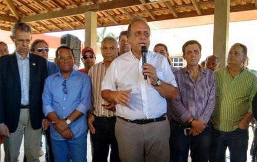 Pezão na campanha eleitoral em Campos (Foto de Filipe Lemos - Campos 24 horas)