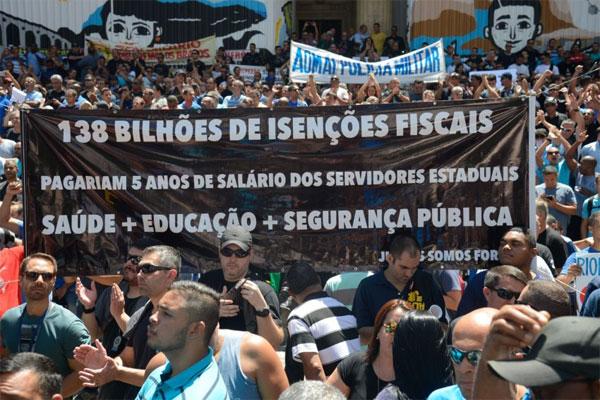 Protesto de servidores estaduais
