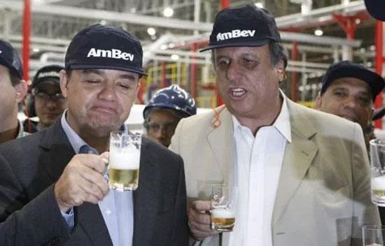 Cabral e Pezão confraternizam na AMBEV, uma das empresas beneficiadas com incentivos fiscais milionários