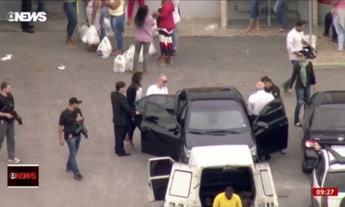 Eike Batista deixando Bangu para ir para casa cumprir prisão domiciliar