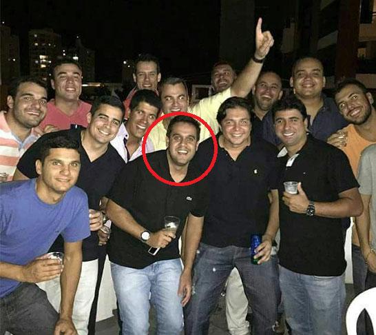 Prefeito Rafael Diniz leva vida de playboy, trabalha pouco, vive em shows e festas de copo na mão, mas é rápido na hora de fazer negociatas com o dinheiro público