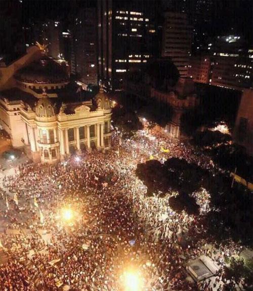 Imagem da Cinelândia no protesto de ontem