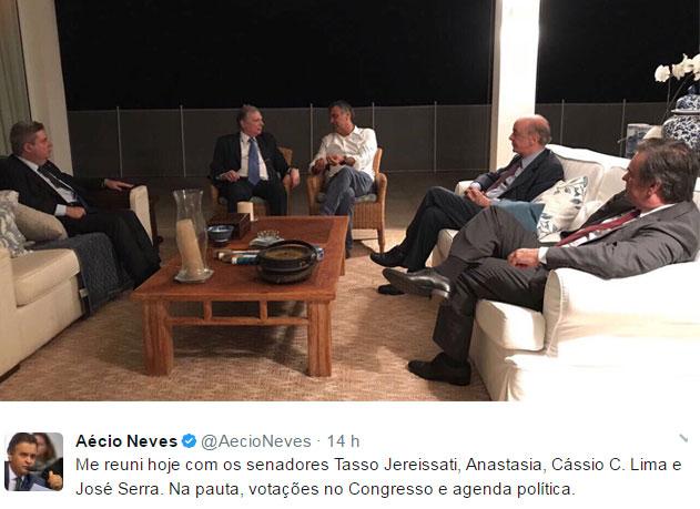 Reprodução do Twitter de Aécio Neves