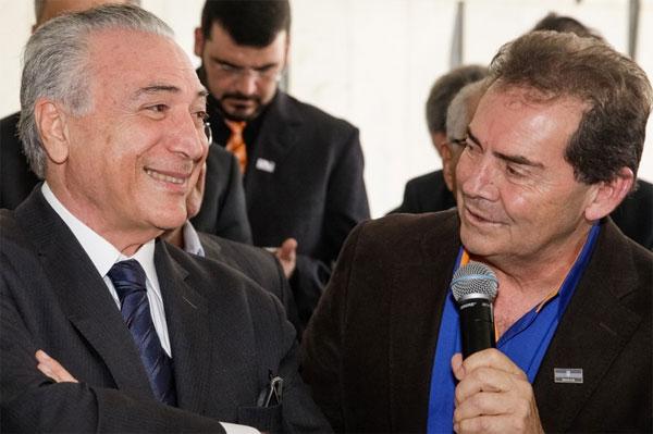 Temer e Paulinho da Força em encontro com sindicalistas realizado em 2016