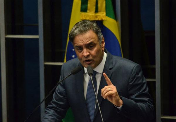 Aécio Neves no seu retorno ao Senado