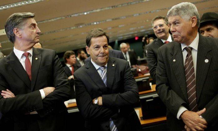Sérgio Zveiter sendo anunciado relator na CCJ da denúncia contra Michel Temer