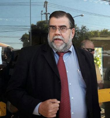Advogado Carlos Azeredo