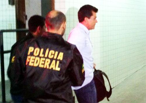 Fernando Cavendish preso pela Polícia Federal