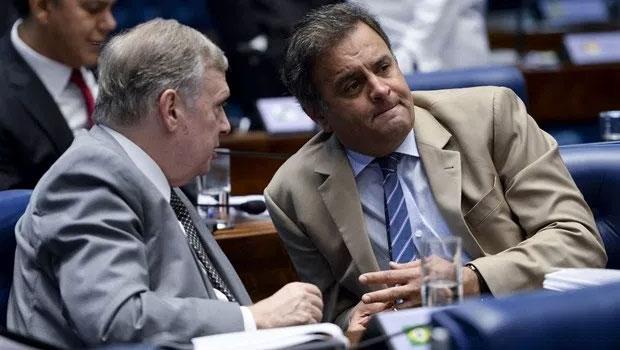 Senadores Tasso Jereissati e Aécio Neves