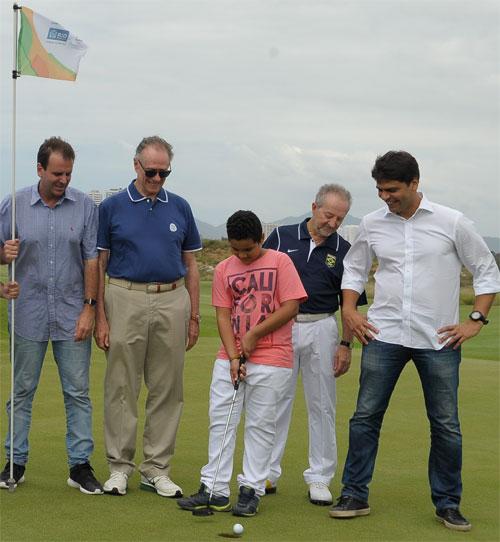 Eduardo Paes, Carlos Arthur Nuzman e Pedro Paulo (à direita) na inauguração do campo de golfe da Olimpíada